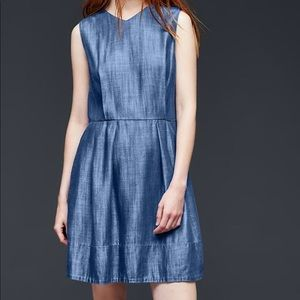 Tencel denim Gap mini dress with pockets.